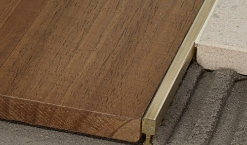 Parquet doussie il legno africano resistente e - Laminas de parquet ...